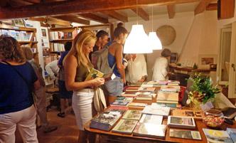 Επικοινωνία - Fagotto Books 9039534ea4d
